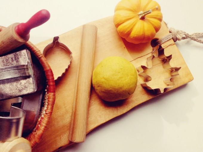 pumpkin play dough 1
