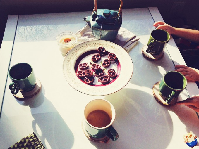 chocolate pretzel tea love