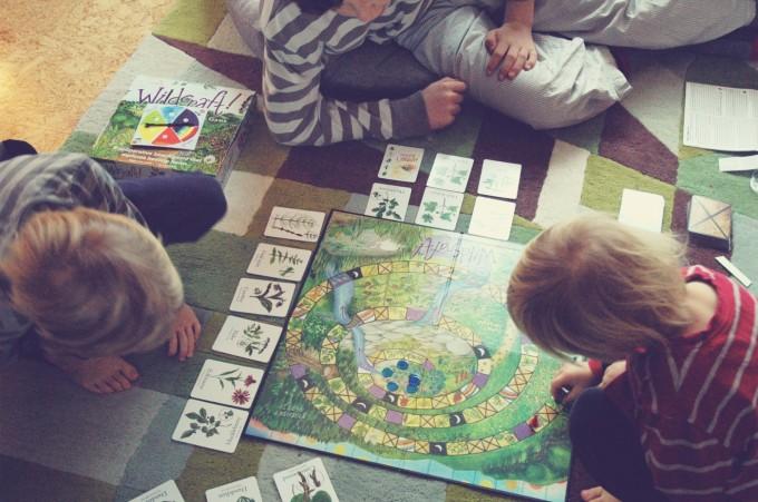kids playing wildcraft christmas