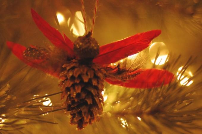 pine cone angel on tree2