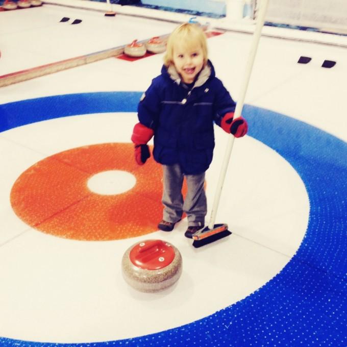 curling kid lakehouse