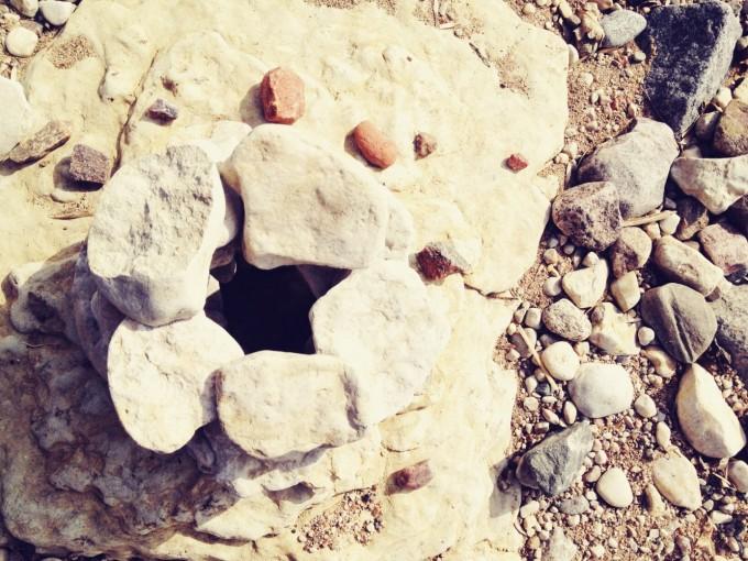 tiny peasant stone art top