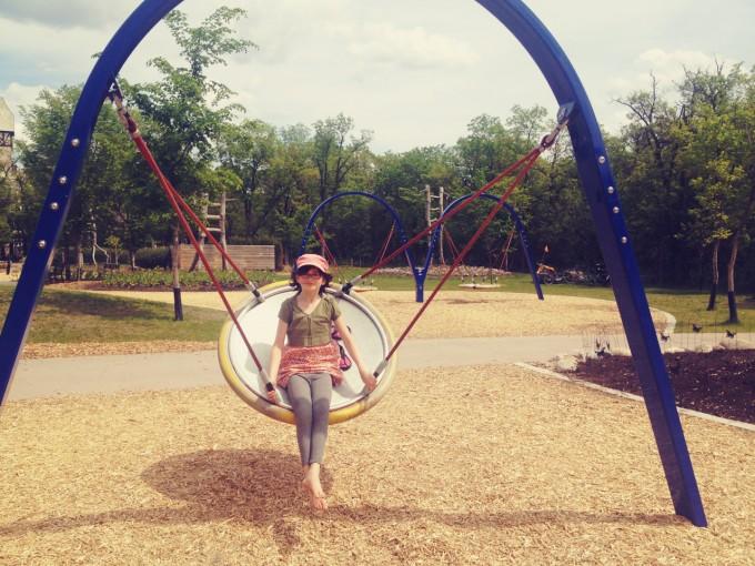 serene swinging