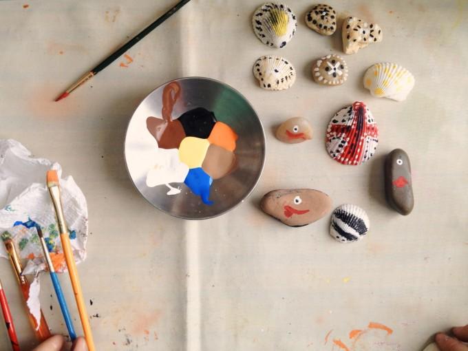 TP painting shells stones